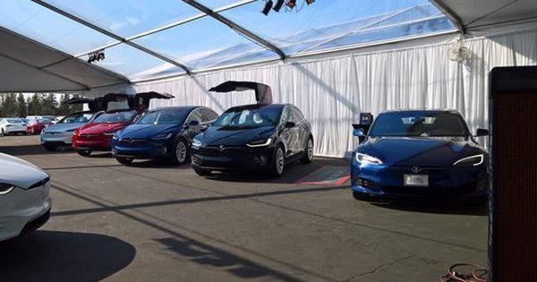Hết chỗ, Tesla lắp ráp Model 3 trong… lều ngoài nhà máy