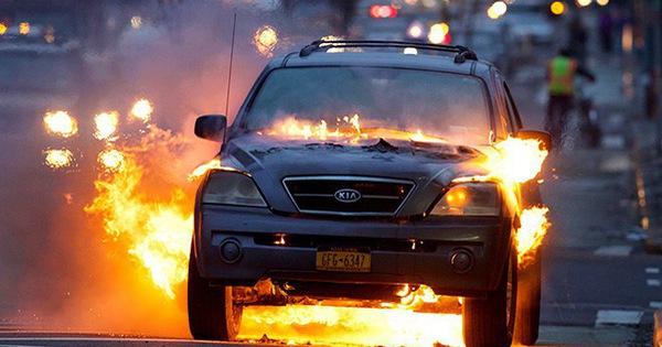 Liên tục phát hỏa, xe Kia bị điều tra