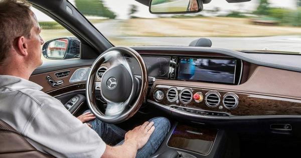 Mercedes-Benz, Apple cho thấy công nghệ tự lái của họ thua Google, Tesla chỉ… vài chục năm