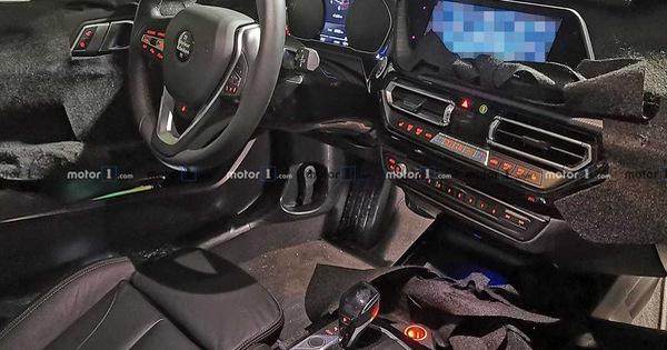 """""""Xe sang giá mềm"""" BMW 1-Series 2019 bất ngờ lộ nội thất giống như 3-Series"""