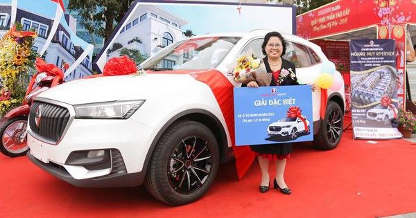 Được tặng SUV 1,2 tỷ siêu độc tại Việt Nam, chủ xe bán ngay với giá 800 triệu đồng và sự thật bất ngờ phía sau
