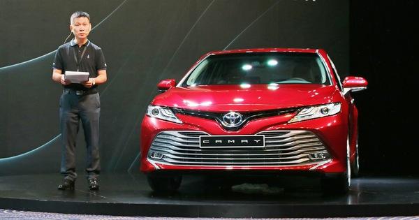 Toyota Camry 2019 chính thức ra mắt tại Việt Nam: Lột xác toàn diện để giữ vua doanh số phân khúc