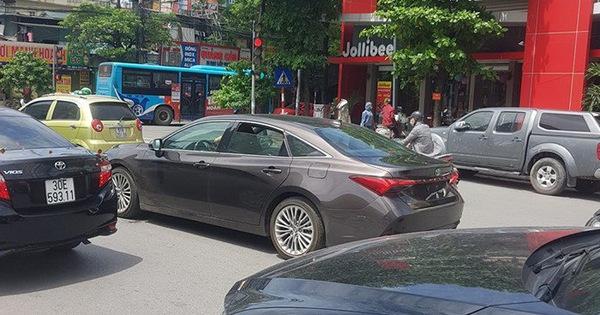 Toyota Avalon 2019 bất ngờ xuất hiện tại Việt Nam