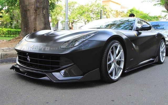 """Cận cảnh """"hàng tuyển"""" Ferrari F12 Berlinetta của Cường """"Đô-la"""""""