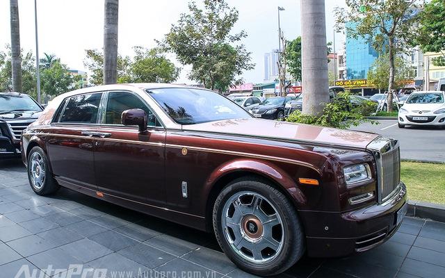 Hàng độc Rolls-Royce Phantom Lửa Thiêng tái xuất tại lễ ăn hỏi Hoa hậu Thu Ngân