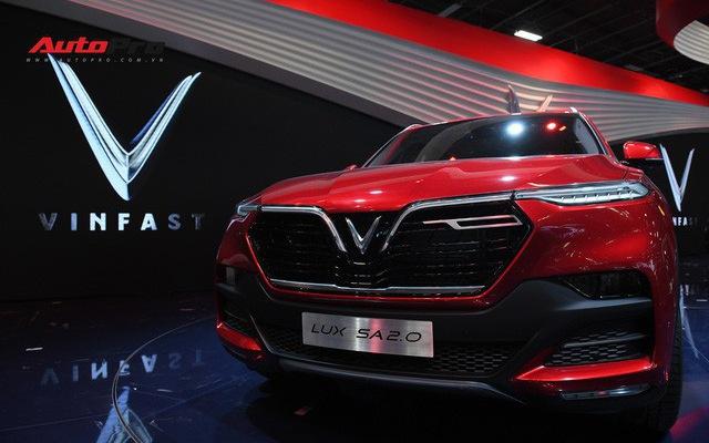 HOT: Chi tiết SUV VinFast LUX SA2.0 vừa trình làng