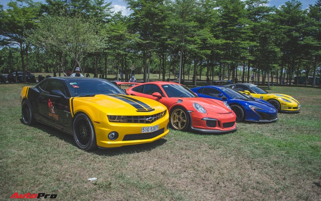 Dàn siêu xe đủ sắc màu tụ tập tại Đại hội mô tô Việt Nam 2018
