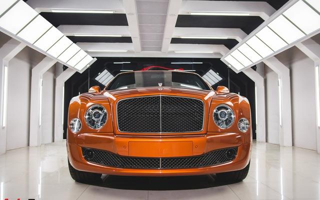 Chiêm ngưỡng Bentley Mulsanne Speed màu cam độc nhất vô nhị tại Việt Nam