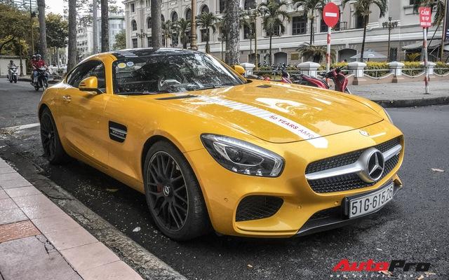 Nữ đại gia Sài Gòn đeo biển cho Mercedes-AMG GT S màu vàng đầu tiên tại Việt Nam