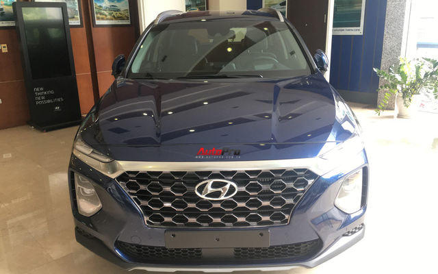 Ảnh chi tiết Hyundai Santa Fe 2019 tại Hà Nội trước ngày ra mắt