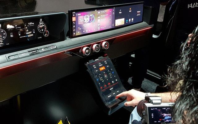 """Trải nghiệm khoang nội thất ô tô """"ngợp"""" màn hình do Samsung sản xuất"""