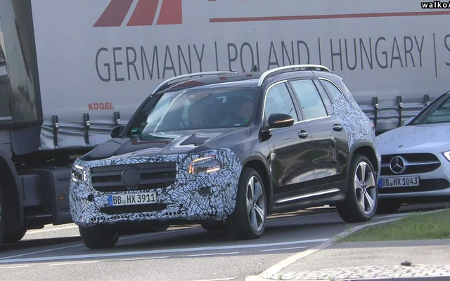 Mercedes-Benz GLB trần trụi hơn bao giờ hết