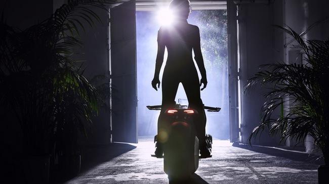 BMW Motorrad Vision Next 100 - Mô tô tự cân bằng đến từ tương lai