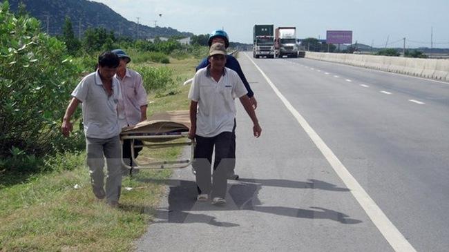 Ninh Thuận: Băng qua dải phân cách để sang đường, cụ bà bị mô tô phân khối lớn đâm tử vong