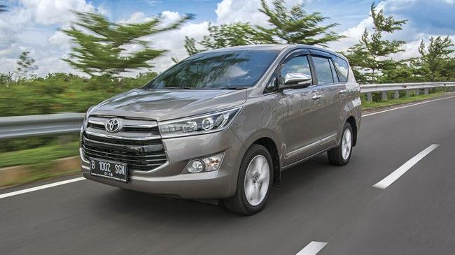 Toyota Innova Crysta máy xăng chính thức trình làng với 3 phiên bản 1