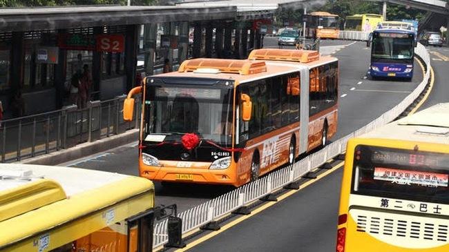 Những điều bạn chưa biết về hệ thống buýt siêu nhanh BRT trên khắp thế giới
