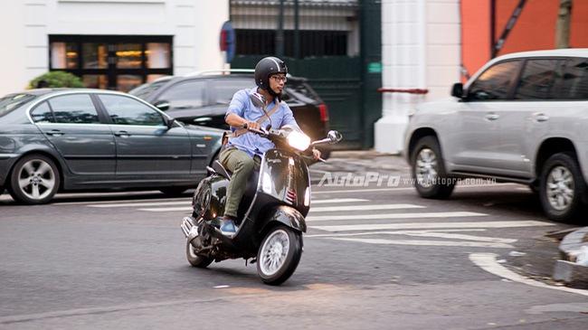 Vespa Sprint ABS - êm hơn, an toàn hơn