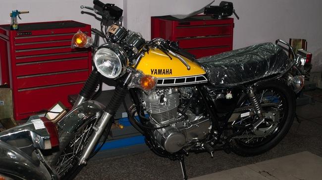 Chi tiết Yamaha SR400 bản kỷ niệm 60 năm với giá bán 200 triệu Đồng tại Việt Nam