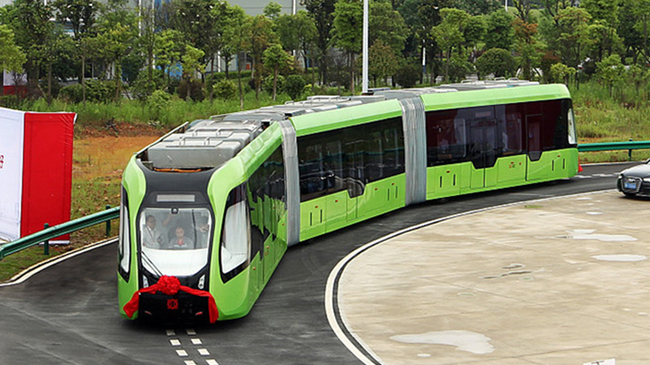 Trung Quốc ra mắt đoàn tàu chạy... không cần đường ray
