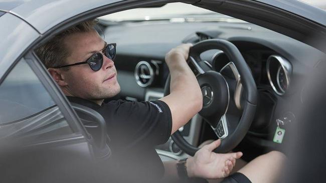 Tư thế lái xe đúng: tưởng đơn giản mà cực nhiều người phạm sai lầm