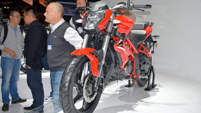 Benelli BN125 - Naked bike cho người mới chơi mô tô