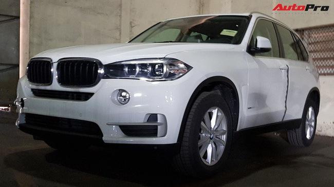 Lô xe BMW của Trường Hải làm thủ tục như thế nào?