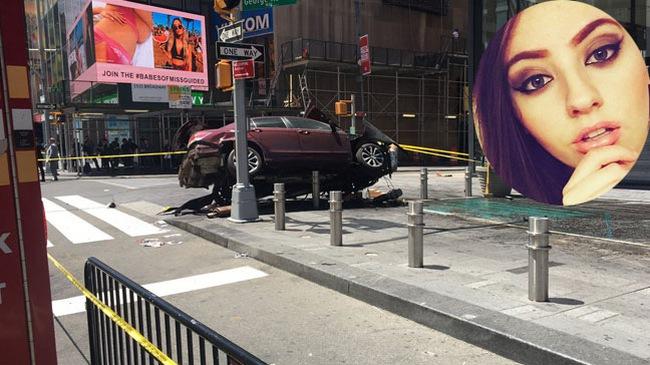 Khoảnh khắc chiếc Honda Accord lao thẳng vào đám đông ở quảng trường Thời đại Mỹ khiến 1 cô gái xinh đẹp tử vong