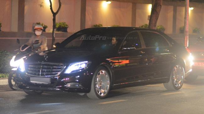 Dàn xe siêu sang Mercedes-Maybach S600 tháp tùng đại gia đến dự đám cưới Hoa hậu Việt Nam 2012