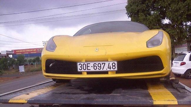 Ferrari 488 GTB của đại gia Hà Nội xuất hiện tại núi rừng Tây Nguyên