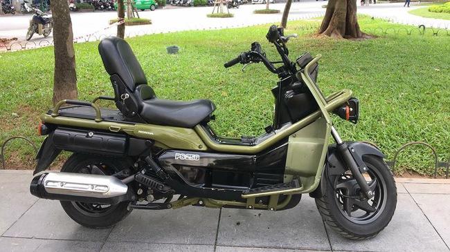 Honda PS250 hàng hiếm của dân sưu tầm Tiền Giang