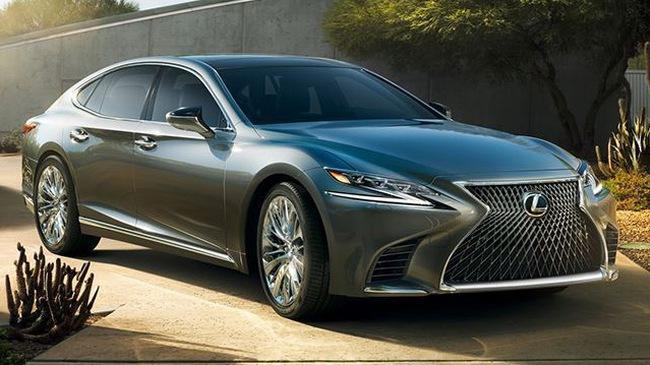 Lexus LS 2018 có 3 tính năng an toàn chưa từng xuất hiện ở bất kỳ xe nào