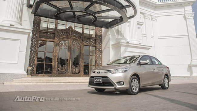 """Xe bán chạy nhất Việt Nam Toyota Vios giảm giá """"sốc"""" xuống dưới 500 triệu Đồng"""