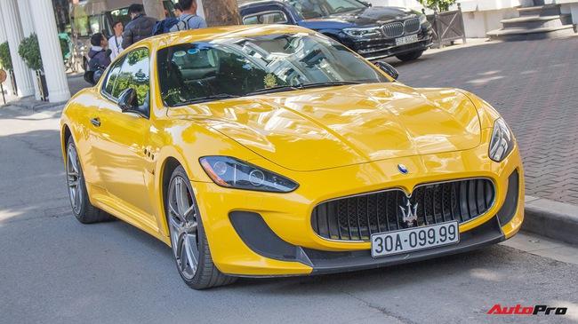 Maserati Granturismo MC SportLine biển tứ quý 9 khoe dáng trên phố Hà Nội