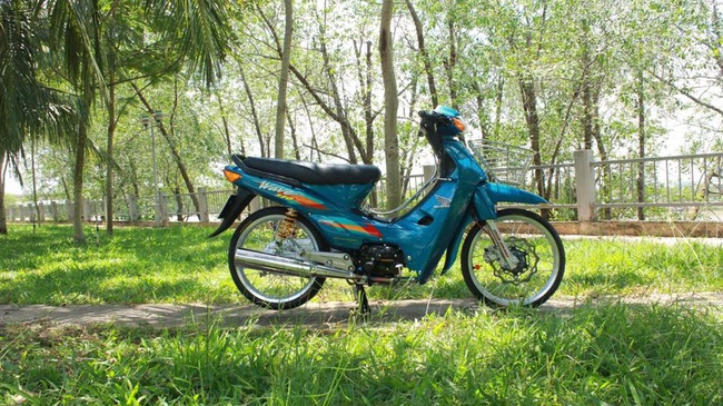 Honda Wave 110 của biker miền Tây được trang bị nhiều đồ chơi đắt tiền