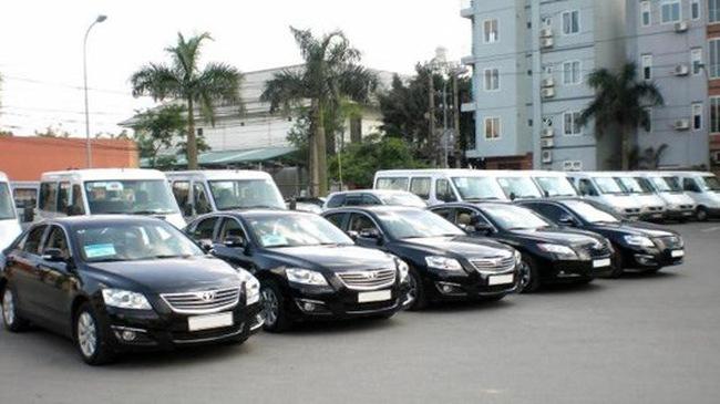 Sôi động thị trường cho thuê xe tự lái trên mạng dịp Tết