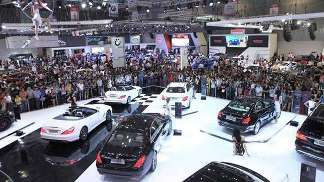 Từ nay đến cuối năm, giá ô tô sẽ còn giảm tiếp