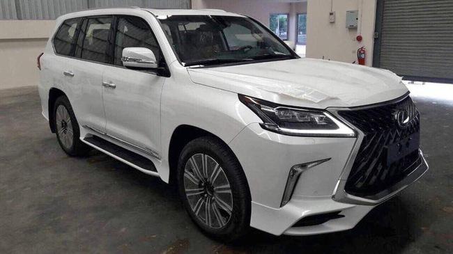 Lexus LX570 Super Sport giá 10 tỷ đồng chốt lịch về Việt Nam