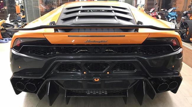 """""""Siêu phẩm"""" Lamborghini Huracan độ Novara đầu tiên tại Việt Nam sắp """"ra lò"""""""