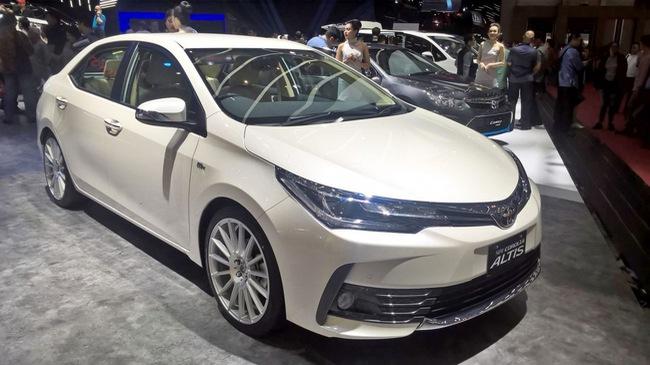 Toyota Corolla Altis 2017 vừa ra mắt Việt Nam có phiên bản đặc biệt mới