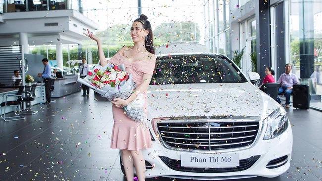 Top 5 Hoa hậu Việt Nam 2012 Phan Thị Mơ tậu Mercedes-Benz S400 trị giá 4 tỷ Đồng
