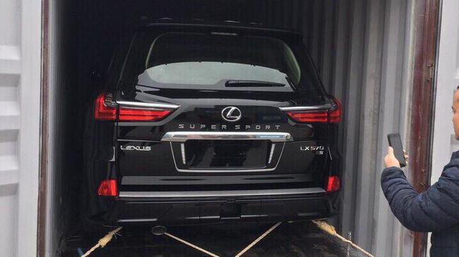 Lexus LX570 Super Sport đầu tiên đã về Việt Nam