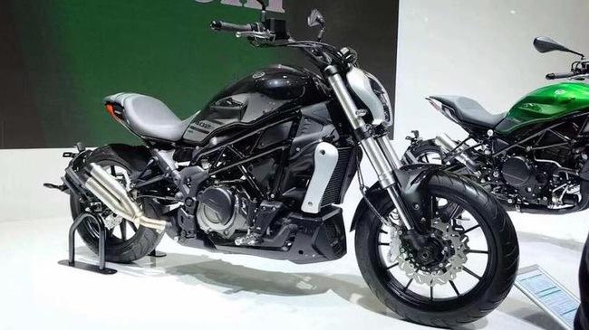 """Benelli 402S """"nhái"""" Ducati XDiavel sắp xuất hiện tại Đông Nam Á"""