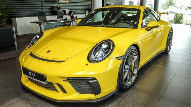 Cận cảnh Porsche 911 GT3 2018 chính hãng đầu tiên tại Việt Nam
