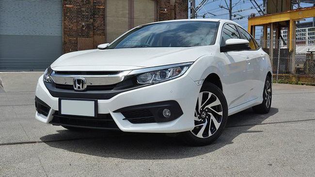 Đấu Mazda3, Honda Civic về thêm phiên bản thấp, giảm giá bản Turbo