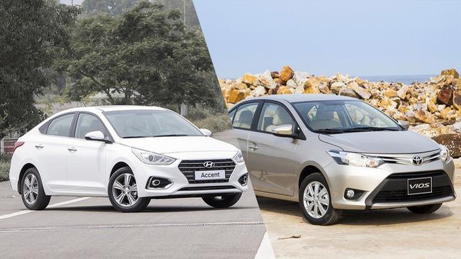 """Mua Hyundai Accent """"full option"""" hay Toyota Vios giữ giá: Cuộc đấu tâm lý của người trẻ"""