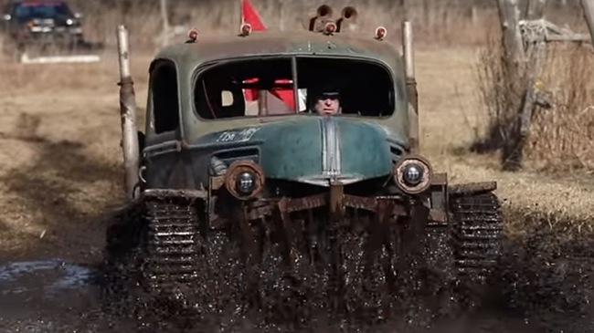 Dân chơi biến xe tăng thành ô tô để chuyên off-road
