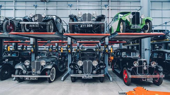 Đây là kho tàng xe cổ bí mật của Jaguar Land Rover