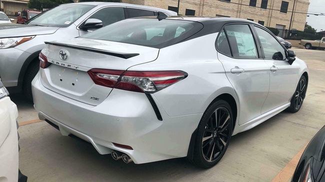 Toyota Camry XSE 2018 bản Mỹ về Việt Nam sẽ có giá dự kiến hơn 2,6 tỷ đồng