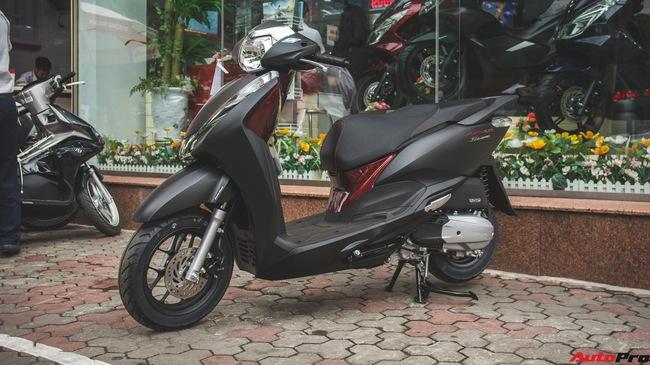 Chi tiết Honda LEAD đen mờ mới - Lựa chọn ngầu của