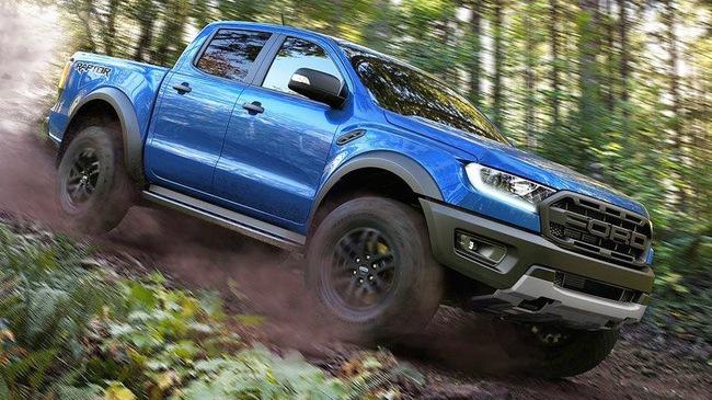 Ngang sức mạnh nhưng Ford Ranger Raptor vẫn có nhiều điểm vượt trội hơn bản Wildtrak 2018 cho khách Việt